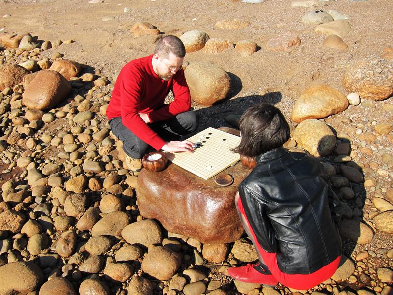 Игра камнями на камне